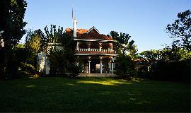 Hotel Boni House